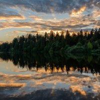 вечер над озером :: Константин Шабалин