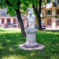 В тихом закутке Пале-Рояля. :: Вахтанг Хантадзе