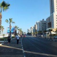 Набережная Средиземного моря по пути к Тель-Авиву :: Валерий Подорожный