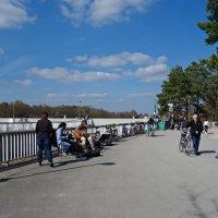 Мартовский выходной на городской плотине...)) :: Galina Dzubina
