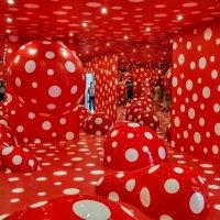 Красная комната :: Анатолий Колосов