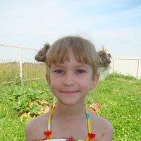 девченка и клубнички :: Татьяна Малафеева