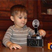 Это вам не игрушка а поправдишный фотопарат... с пышкой. :: Anatol Livtsov
