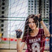 Девушка с мячом :: Владимир Лупенко