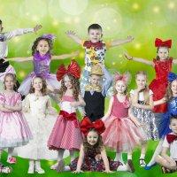 Фотографировала деток на разворот в выпускном альбоме) :: Лидия Марынченко