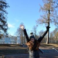 Моя дочь Маргарита. Пушкин, Царское село. Она счаслива и я с ней!!!) :: Михаил Поскотинов