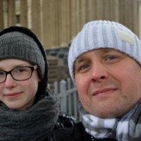 Селфи от Nikon D5200!) Я и дочь Маргарита у Казанского собора в Питере. :: Михаил Поскотинов