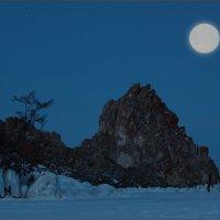 Большая луна Шаманки… :: Андрей Янтарёв