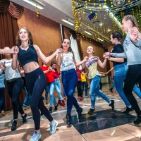 Танец... :: Виктор