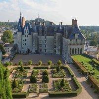Замок Ланже. Франция :: Владимир Леликов