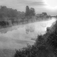Туманный рассвет на реке Тясмин :: ViP_ Photographer