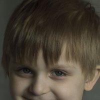 От улыбки.... :: Фома Антонов