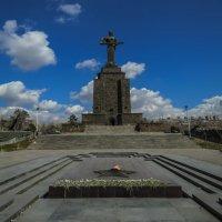 """Парк Победы Ахтанак и монумент """"Мать-Армения"""". :: Анатолий Щербак"""