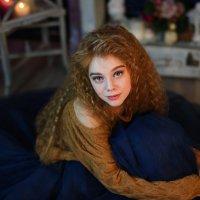 Рыжеволосая девушка :: Юлия