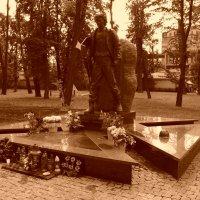 Могила   Романа   Гурика   в   Ивано - Франковске :: Андрей  Васильевич Коляскин