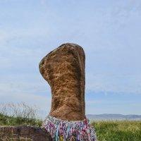 Почитаемый камень. :: юрий Амосов