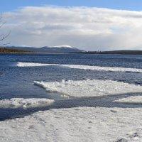 Уплывающая зима :: Ольга