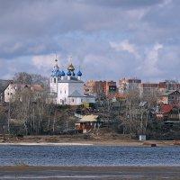 Апрельская зарисовка, Волга, Ярославль :: Николай Белавин