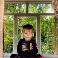 Я на солнышке сижу, на айфончик я гляжу... и никак не нагляжусь. :: Anatol Livtsov