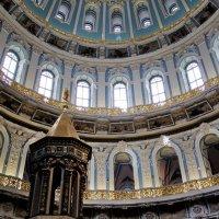 Под куполом в Новом Иерусалиме. :: Лара ***