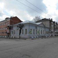 Дом мещан Стародубских где квартировал М.Е.Салтыков-Щедрин :: Tarka