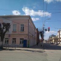 На пересечении улиц Свободы и Горького :: Tarka