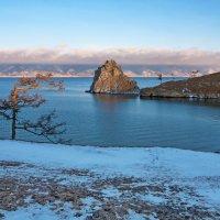 Раннее утро на берегу озера :: Анатолий Иргл