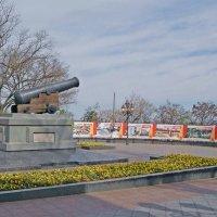 Пушка на Приморском бульваре :: Александр Корчемный
