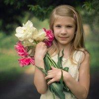Повелительница тюльпанов :: Оксана