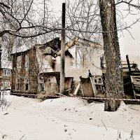 Ковшом по чреву дома... :: Андрей Головкин