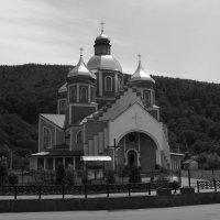 Греко - католический  храм  в  Яремче :: Андрей  Васильевич Коляскин