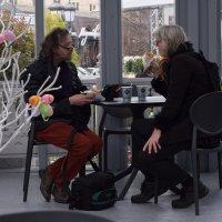 Гости Москвы согреваются чаем с русскими пирожками! :: Татьяна Помогалова