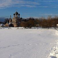 по дорожке и к храму :: Олег Лукьянов
