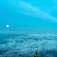 На Пике Адама. Луна уходит. :: Ирина Токарева