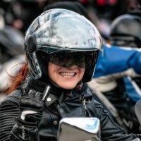 Минская мотоциклистка. :: Алексей Матюш