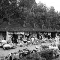 Сувенирный   базар   в   Яремче :: Андрей  Васильевич Коляскин