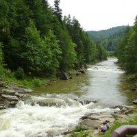 Река   Прут   в   Яремче :: Андрей  Васильевич Коляскин