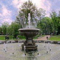 Майский фонтан :: Сергей Карачин