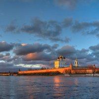 Под небом голубым есть город Золотой... :: Роман Дмитриев
