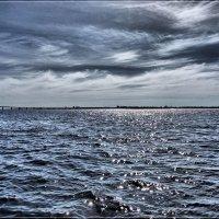 Утренние искорки на Матушке реке. :: Anatol Livtsov