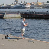 Рыбак на Неве :: Вера Щукина