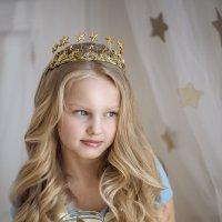 Маленькая королева Светочка :: Juli Ameli