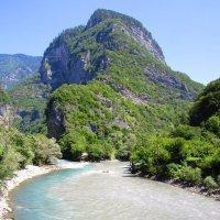 Слияние двух горных рек в Абхазии :: Yuliya Nesterenko