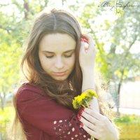Весной все расцветает, в том числе и девушки :: Виктория Сафронова