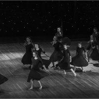 Танец :: Юрий Васильев