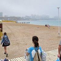 Городской пляж :: Валерий Дворников