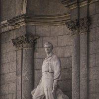 Статуя :: Надежда Поль