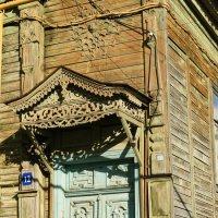 Старинная дверь с кружевным навесом :: nika555nika Ирина