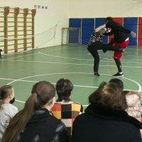 Танец нанайских мальчиков :: Александр Рябчиков