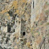 Наскальные башенные укрепления, Северная Осетия :: Мария Климова